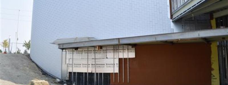 Exteriorradiuswallattheater